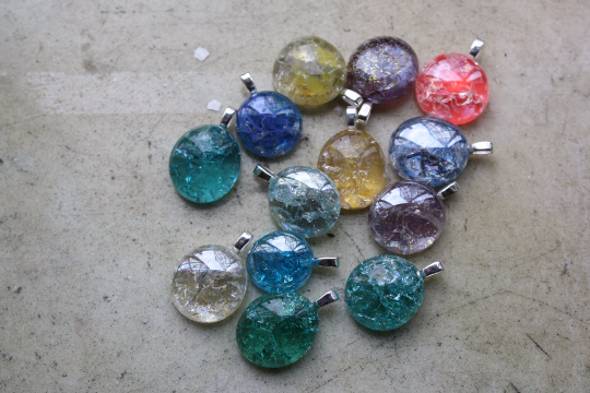 cracked glass jewelry pendants